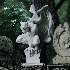 garden gargoyle statue 4
