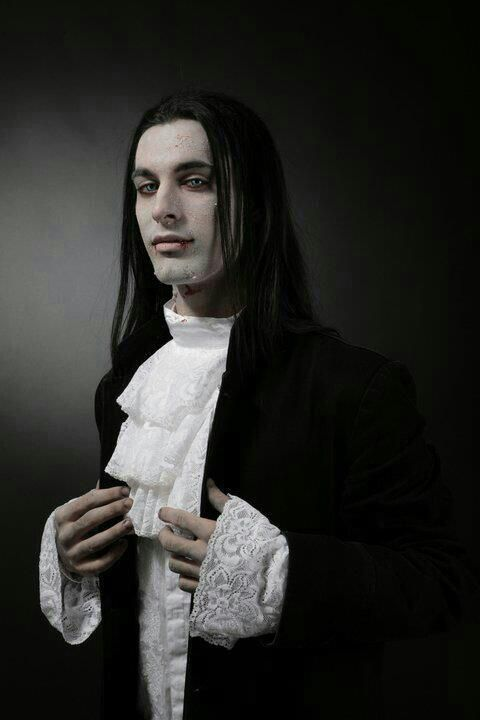 Phenomenal Your Guide To The Modern Gothic Hairstyle Gothicdecor Net Short Hairstyles Gunalazisus
